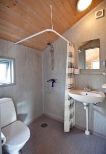 lux 1 bath rooms